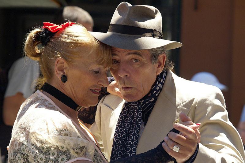 senior-echtpaar-dansen